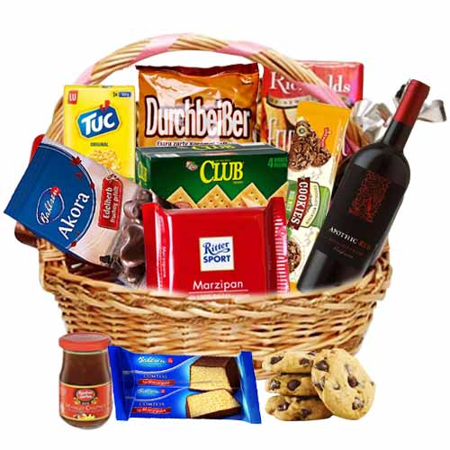Entertaining Hamper of Wine and Gourmet